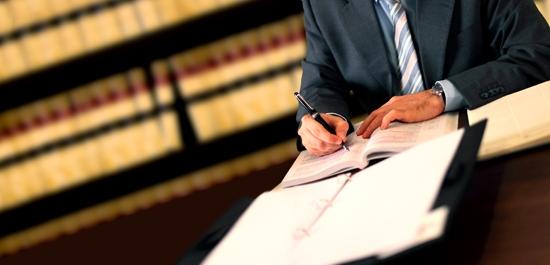 Prawne aspekty zawierania umów handlowych - zakupy w przedsiębiorstwie
